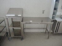 1 X table, 1 X mobile trolley