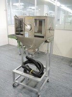 chamber for contactless / manual tray filling and cleaning