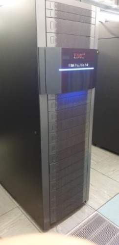 EMC2 ISOLON UNPOPULATED EQUIPMENT RACK WITH 2 RARITAN IX7 20 WAY PDU'S
