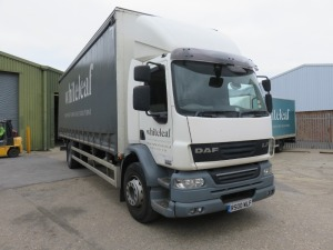 DAF FA LF55 18T Curtain Side Truck with Dhollandia Tail Lift Registration No. R500 WLF First Registered September 2013 370,308Recorded Kilometres (as of 1/09/2021), Annual test Valid Until 30/11/2021 HS Code 87/04