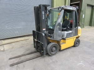 Atlet Model UID2A25LT Balance 25 Ride-On Gas Powered Fork Lift Truck No. UID2E701534 (2011) with Type 3F-475 Single Mast 2150kg Capacity at 500mm Centres, 2964 Hours, Lift Height 4750mm(Please Note that this Lot is for deferred collection by appointment